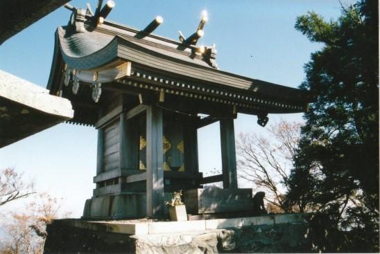 イザナミの尊が祀られている女体山