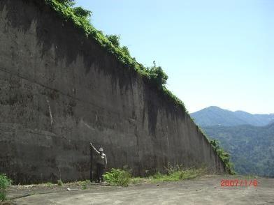 導流堤(如何に大規模か田中さんと比較)
