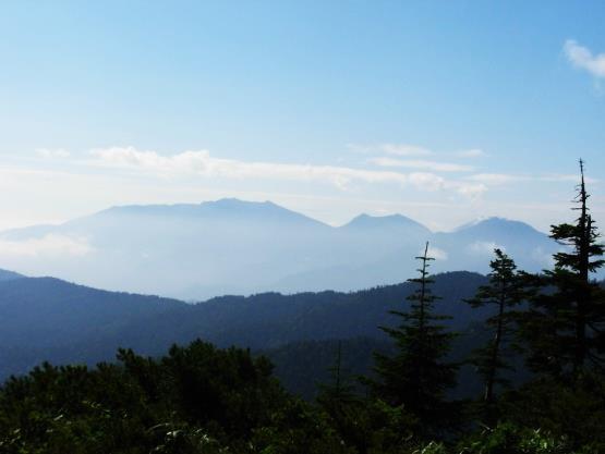 南会津の山々を望む