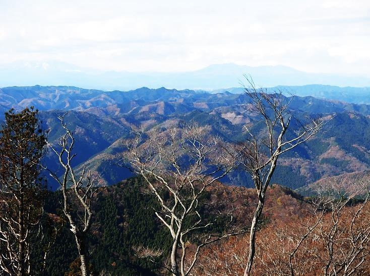 遠く日光・那須連山