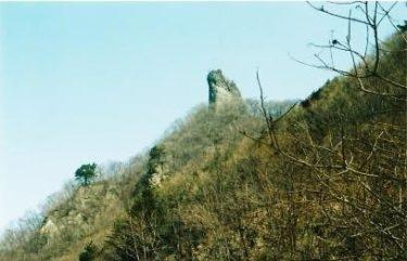 悲しき歴史を語るメンべ岩~物語山~(群馬)