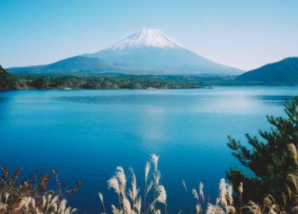 田沼湖からの富士山