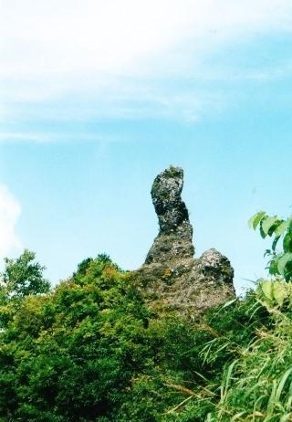 ローソクのような岩塔