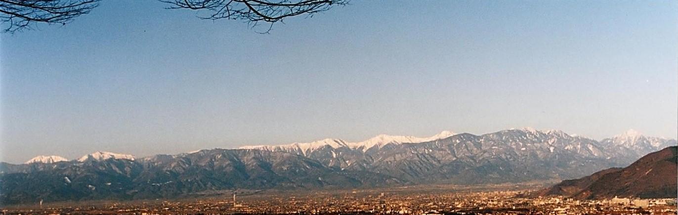 聖・光・ 南アルプスの山々 鳳凰三山 北岳 甲斐駒ケ岳 仙丈ヶ岳