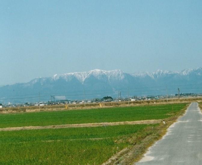 武奈岳を中心に比良の山々