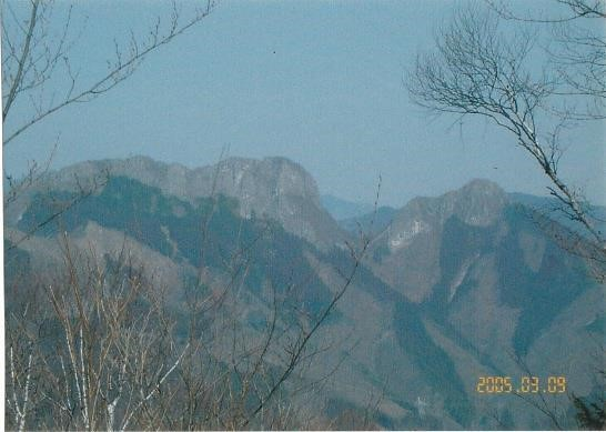 二子岳 岩峰 東峰・西峰