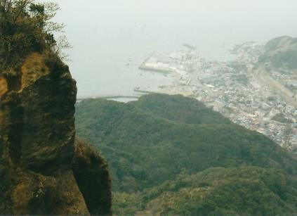 東京湾と房総半島を見下ろす
