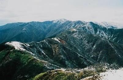 主峰 塔の岳への稜線