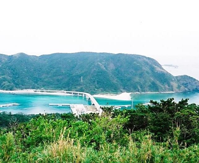 阿嘉島~阿嘉大橋・慶留間島を望む