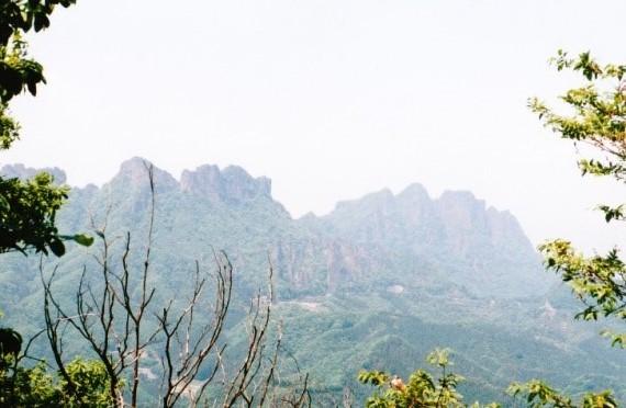 御堂山山頂~裏妙義の岩峰群
