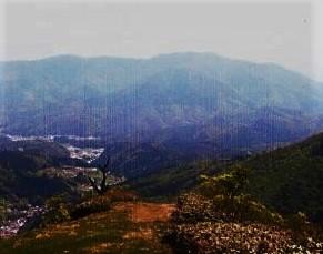 鉢伏山~妙見山と池の平方面