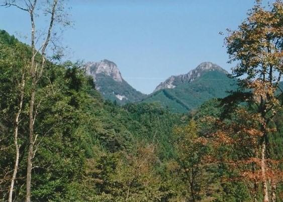 二子山 西峰 東峰